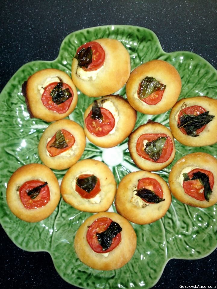 Pizza Rounds Filled With Sun- Dried Tomatoes And Goat Cheese