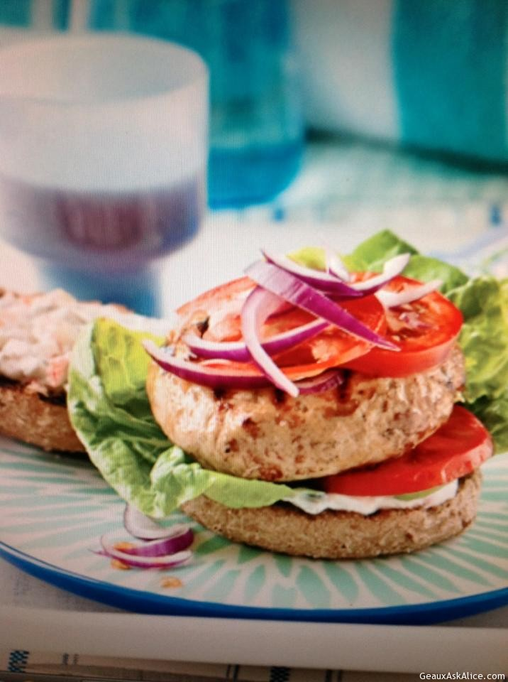 Turkey Burgers With Spicy Sauce
