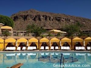 Pool with cabana's.