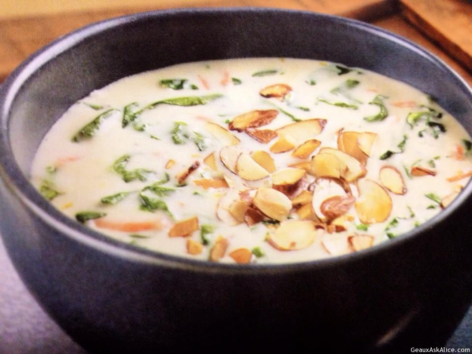 Creamy Spinach Soup With Toasted Sliced Almonds