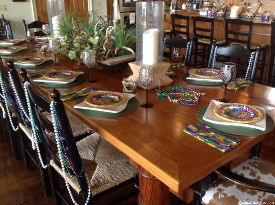 Mardi Gras table setting. & Mardi Gras table setting. - Geaux Ask Alice!