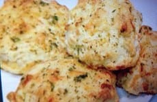 Easy Cheddar Cheese Biscuits