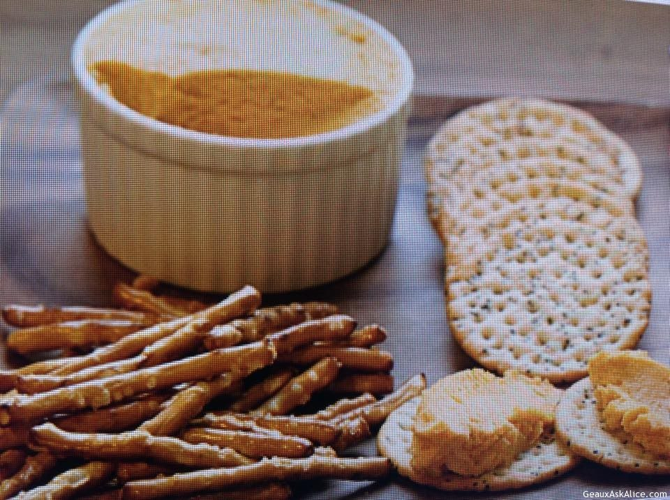 Beer Cheese And Crackers