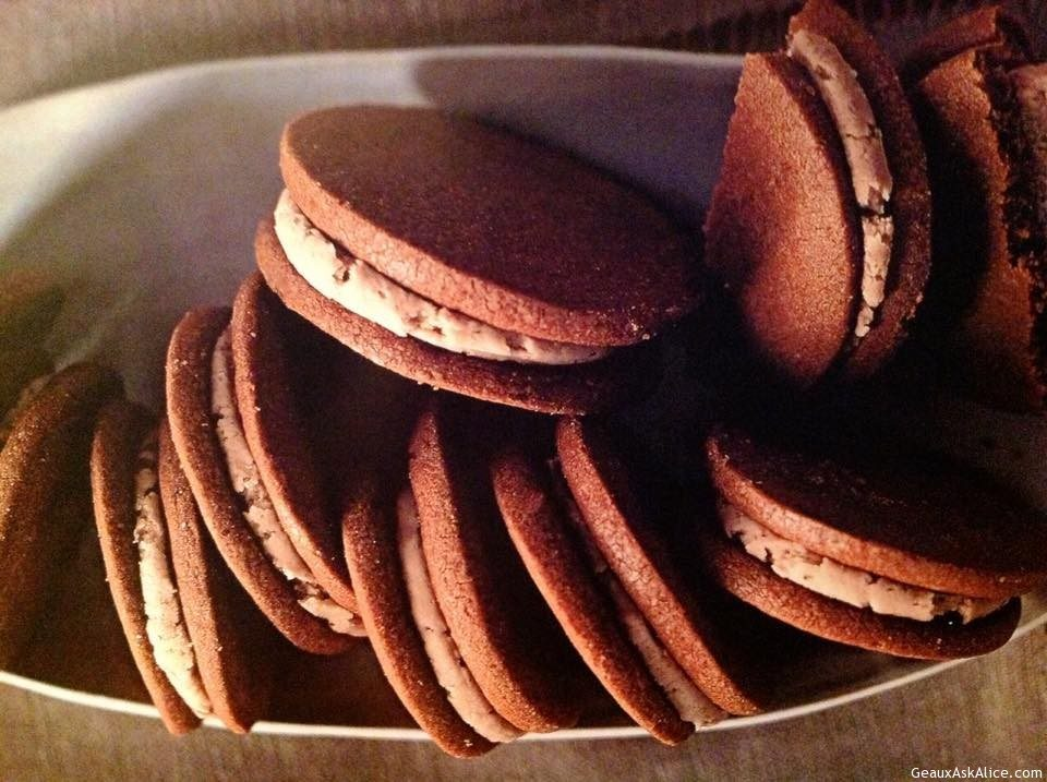 Milk Chocolate Cookies With Malted Cream