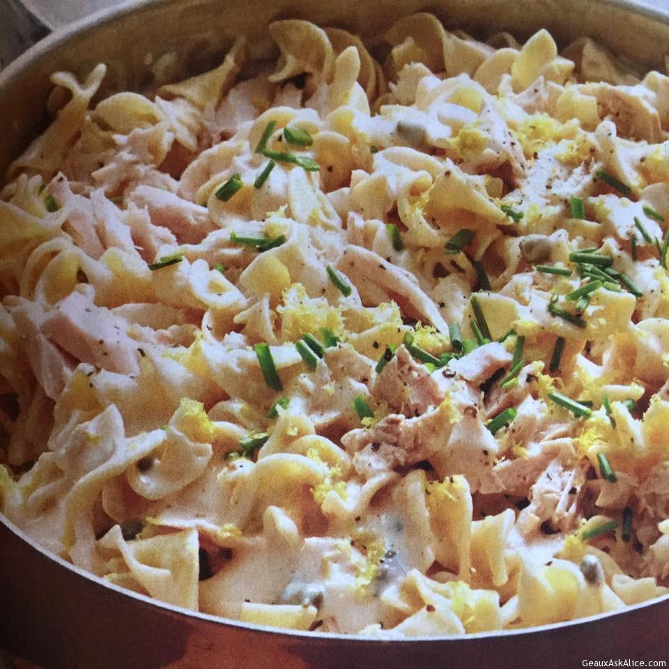 Lemony Alfredo Tuna Noodle Dish In A Skillet