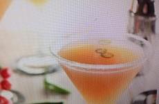 Trisha Yearwood's Lipstick Cocktail