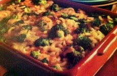Cheesy Broccoli Macaroni Bake