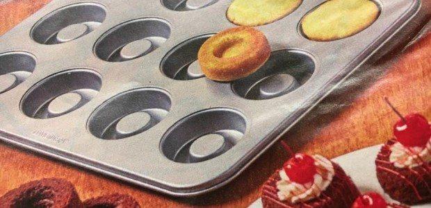 Today's Gadget is the David Tutera Dessert Bowls-Baking Pans!