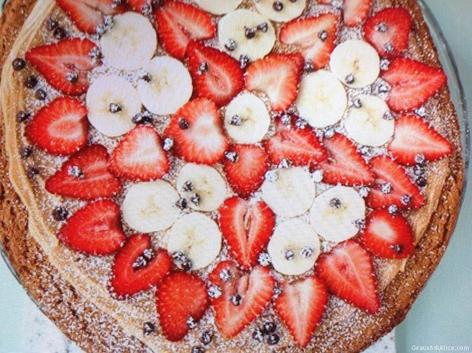 Cookie Pizza With Peanut Butter, Banana And Berries