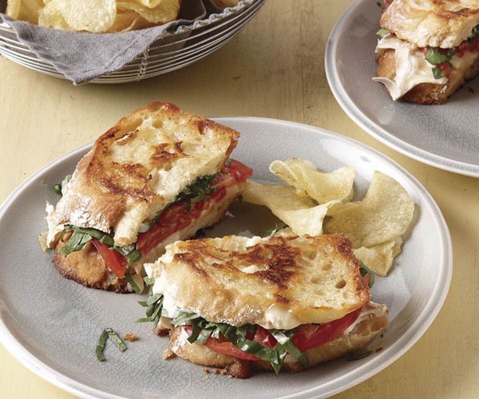 Crispy Grilled Tomato And Brie Sandwich