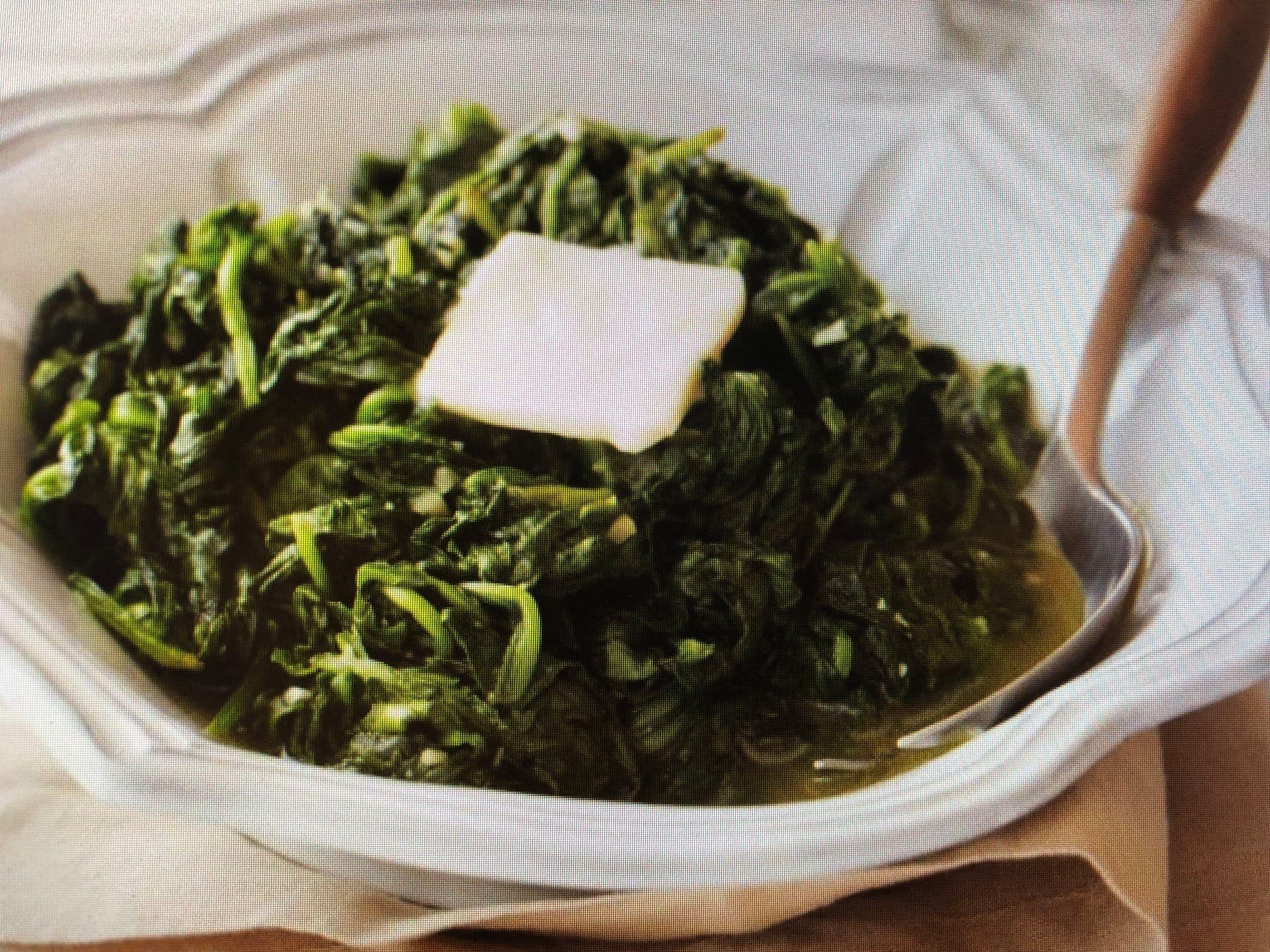 Garlicky Sauteed Fresh Spinach