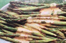 Dreamy Roasted Asparagus With Hollandaise