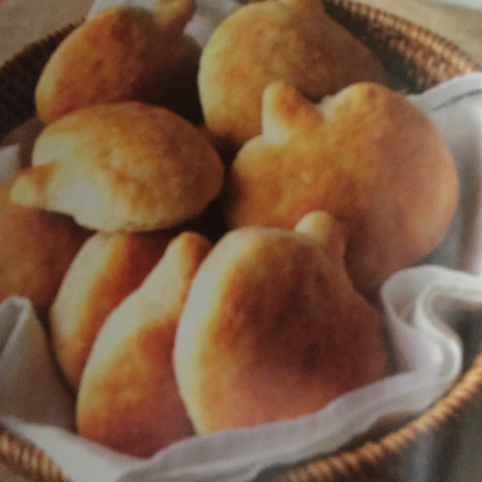 Pumpkin-shaped Biscuits